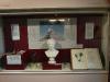 """Abb. 21a: Ausstellungsvitrinen der Ausstellung """"Humboldts grüne Erben"""", im Botanischen Museum Berlin-Dahlem 2010"""
